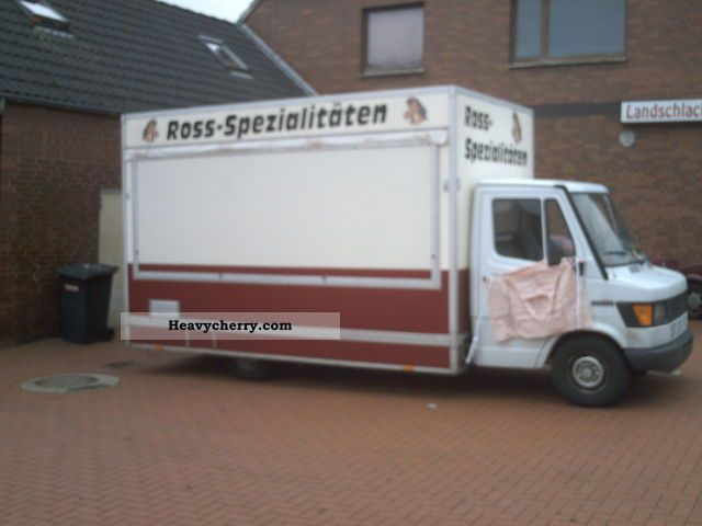1992 Mercedes-Benz  310 MB Van or truck up to 7.5t Traffic construction photo
