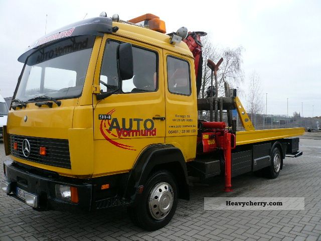 1988 Mercedes-Benz  917 tow truck with crane Truck over 7.5t Breakdown truck photo