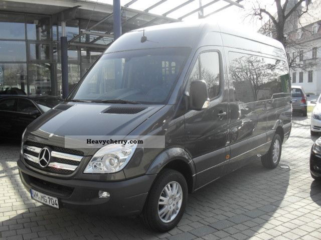 mercedes benz sprinter 319 cdi estate 7g tronic 2012. Black Bedroom Furniture Sets. Home Design Ideas