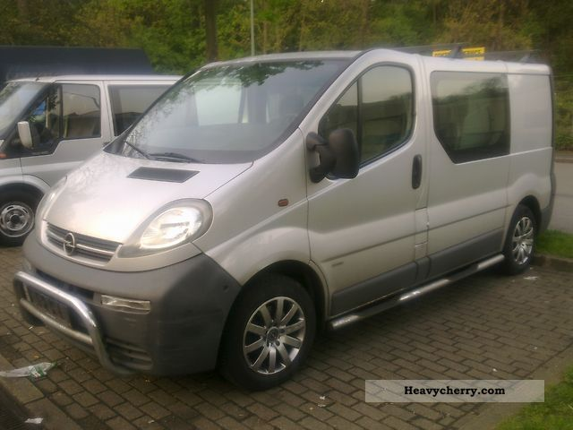 opel vivaro 2003 box type delivery van photo and specs. Black Bedroom Furniture Sets. Home Design Ideas