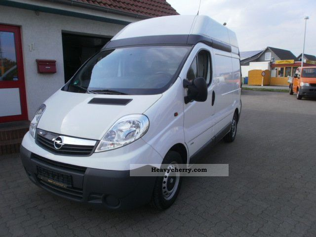 2009 Opel  2.0 CDTI Vivaro L1H2 DPF Euro4 Van or truck up to 7.5t Box-type delivery van - high photo