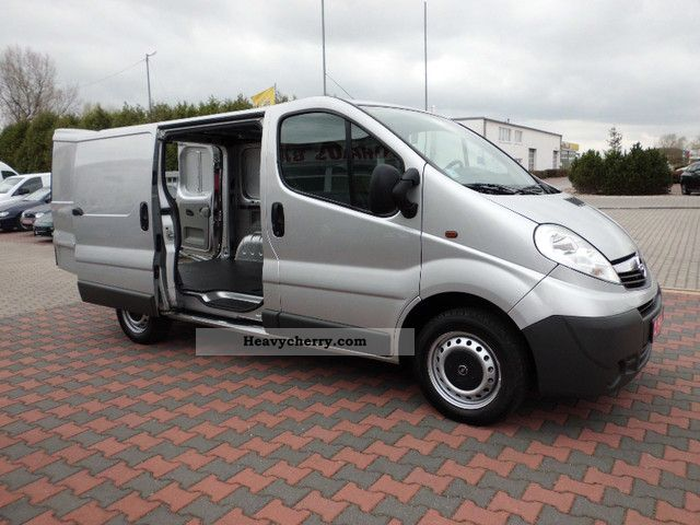 opel vivaro 1 9 cdti 3 seater in good condition 2007 box type delivery van photo and specs. Black Bedroom Furniture Sets. Home Design Ideas