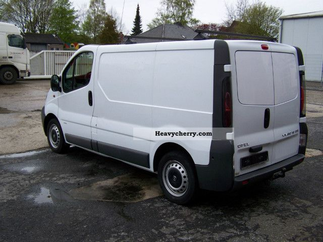 opel vivaro 1 9 dti 2001 box type delivery van photo and specs. Black Bedroom Furniture Sets. Home Design Ideas