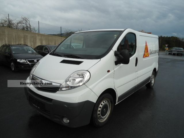 2007 Opel  2.0 CDTI Vivaro L1H1 EXP € 5750th - Van or truck up to 7.5t Box-type delivery van photo