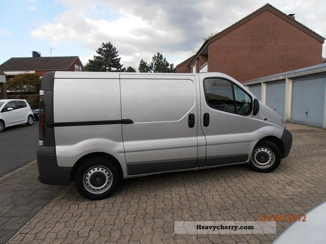 opel vivaro 2002 box type delivery van photo and specs. Black Bedroom Furniture Sets. Home Design Ideas