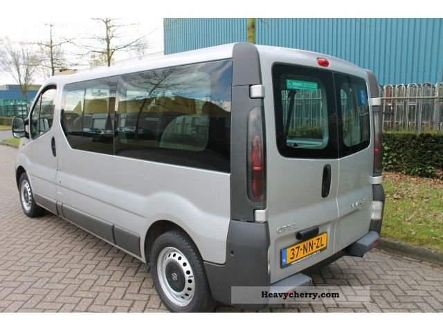 opel vivaro l2h1 tour 1 9cdti 60kw rolstoelvervoer. Black Bedroom Furniture Sets. Home Design Ideas
