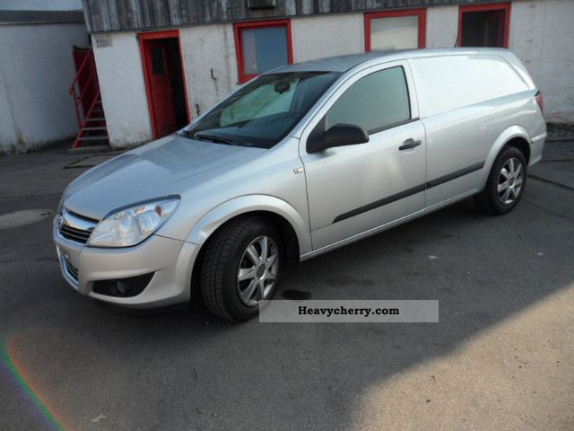 2008 Opel  Astra 1.3 CDTi Van climate, Bluetooth, truck registration Van or truck up to 7.5t Box-type delivery van photo