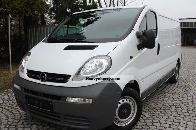 2005 Opel  Vivaro 1.9 CDTI L2H1 / 2.9 tons Van or truck up to 7.5t Box-type delivery van photo