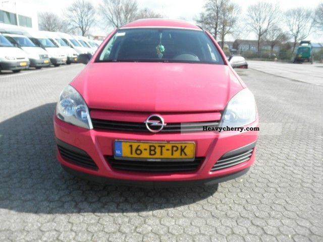 opel astra 1 7 cdti climate bt 16 pk 2005 box type delivery van high photo and specs. Black Bedroom Furniture Sets. Home Design Ideas