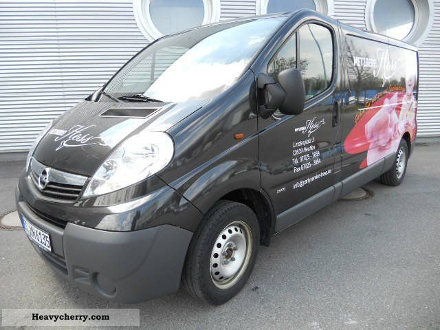 opel vivaro 2 5 cdti l2h1 k hlfhrzeug with standk hlun. Black Bedroom Furniture Sets. Home Design Ideas
