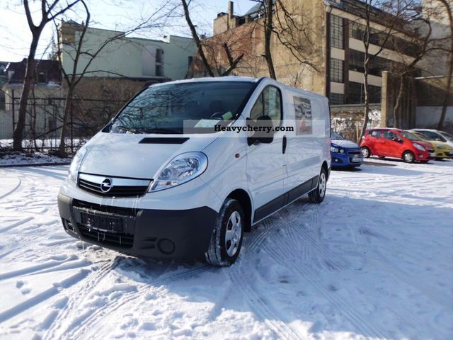 2012 Opel  2.0 CDTi Vivaro L1H1 box 114 HP air, e-packets Van or truck up to 7.5t Box-type delivery van photo