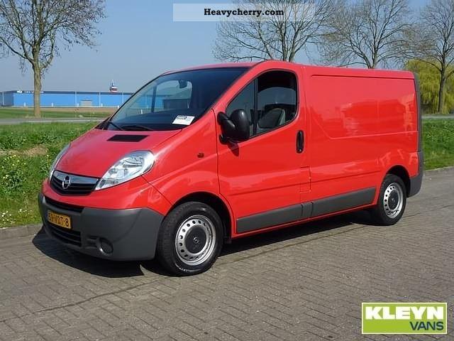 2007 Opel  Vivaro 1.9CDTI Van or truck up to 7.5t Box-type delivery van photo
