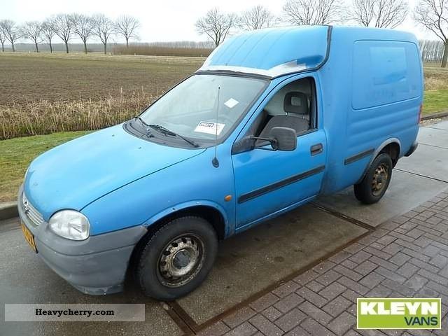 2000 Opel  Combo van Van or truck up to 7.5t Box-type delivery van photo