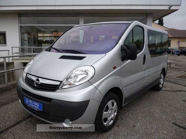 2011 Opel  2.7t 2.0 CDTI Vivaro Combi L1 Van or truck up to 7.5t Other vans/trucks up to 7 photo