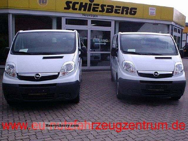 2011 Opel  2.0 CDTi Vivaro panel L2 H1 115PS 2.9 t Van or truck up to 7.5t Box-type delivery van - long photo