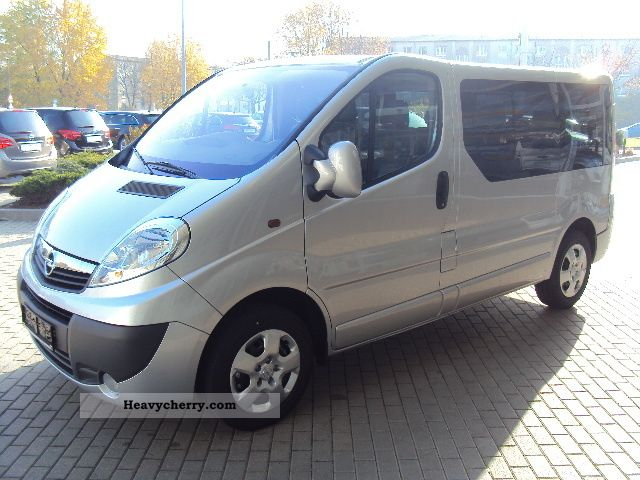 opel vivaro 2 0 cdti design edition 9 seater 2012 other. Black Bedroom Furniture Sets. Home Design Ideas