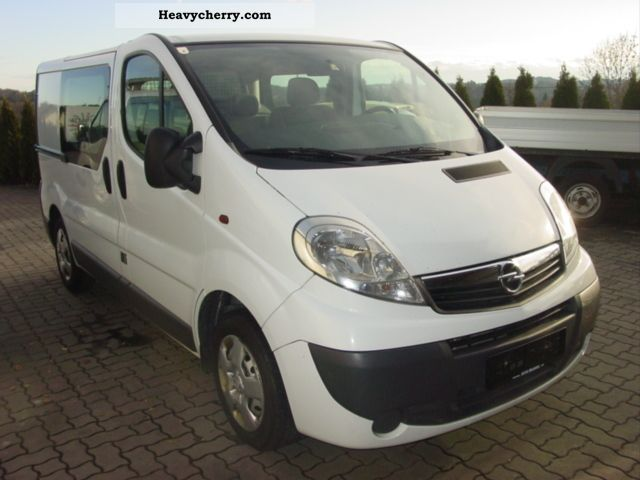 2007 Opel  2.0 CDTi Vivaro L1H1 Doka box 84kw AIR Van or truck up to 7.5t Box-type delivery van photo