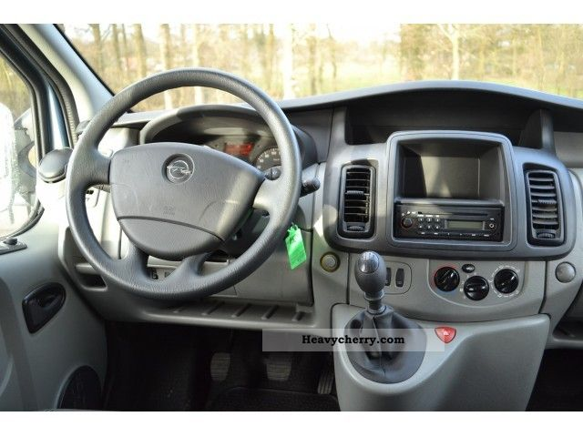 opel vivaro tour 2 0 hdi 84kw df l2 h1 9p 2900 2011 estate. Black Bedroom Furniture Sets. Home Design Ideas