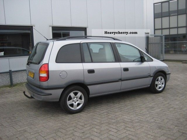 opel zafira 2 0 dti van 2003 box type delivery van photo and specs. Black Bedroom Furniture Sets. Home Design Ideas