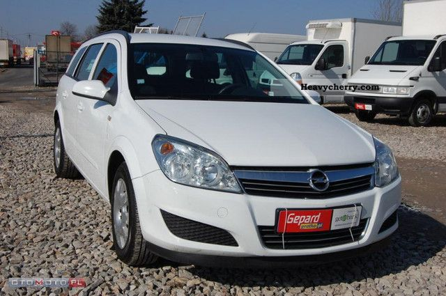 2007 Opel  Astra 1.7CDTi III Combi climate Van or truck up to 7.5t Box-type delivery van photo
