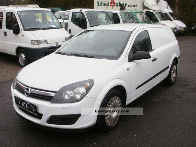 2007 Opel  Astra 1.3 CDTi / box / climate / 6 speed / truck Van or truck up to 7.5t Box-type delivery van photo