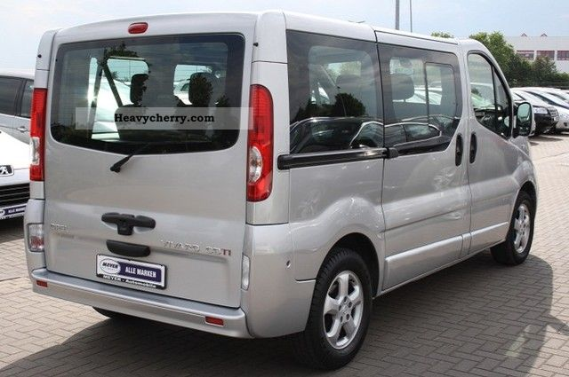 opel vivaro 2 5 cdti dpf tour cosmo 8 seater 2009 estate. Black Bedroom Furniture Sets. Home Design Ideas