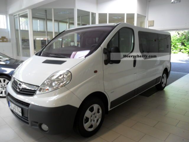 2011 Opel  9-SEATER COMBI VIVARO L2 2.0D Van or truck up to 7.5t Other vans/trucks up to 7 photo