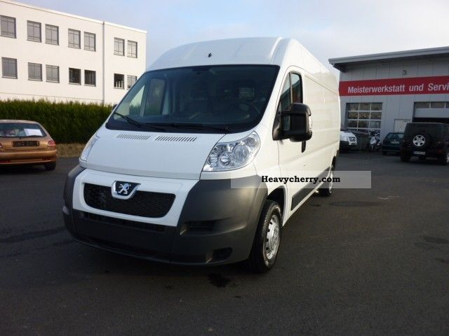 2011 Peugeot  Boxer 335 L3H2 2.2 HDI Van or truck up to 7.5t Box-type delivery van photo