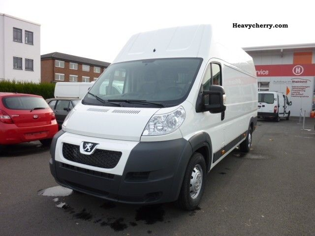 2011 Peugeot  Boxer 435 L4H3 2.2 HDI € 5 air immediately available Van or truck up to 7.5t Box-type delivery van photo