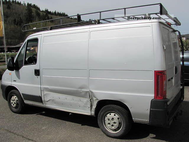 peugeot boxer 2005 box type delivery van photo and specs. Black Bedroom Furniture Sets. Home Design Ideas