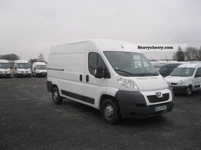 peugeot boxer peugeot boxer l2h2 fg 26 105 hdi km 2010 box type delivery van photo and specs. Black Bedroom Furniture Sets. Home Design Ideas