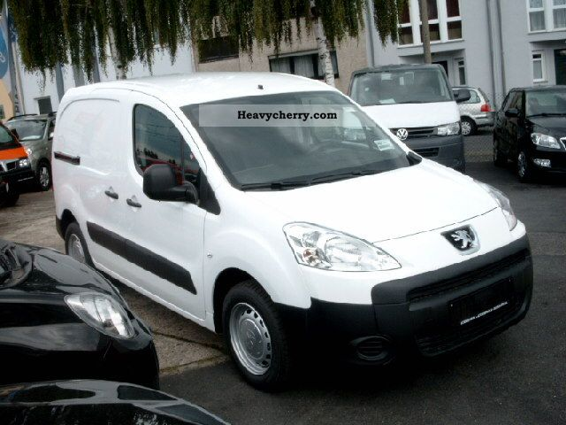 peugeot partner l1 1 6 hdi van climate 3 seater 2012 box type delivery van photo and specs. Black Bedroom Furniture Sets. Home Design Ideas