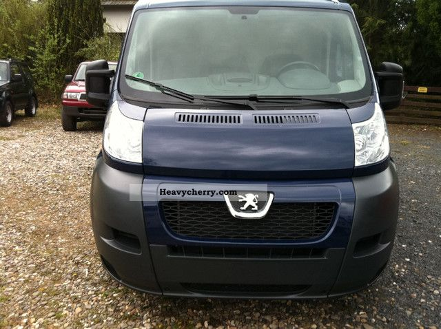 2009 Peugeot  Boxer Van or truck up to 7.5t Box-type delivery van photo