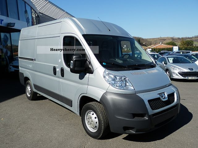 peugeot boxer l2h2 2 2 hdi 130 335 fourgon bv6 3 2012 box type delivery van photo and specs. Black Bedroom Furniture Sets. Home Design Ideas