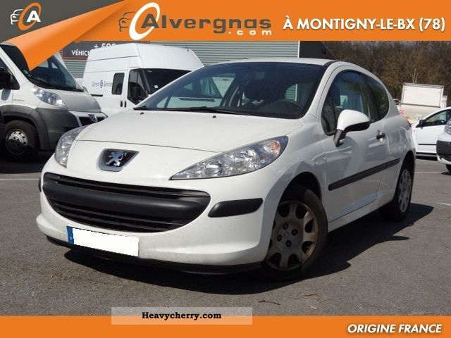 peugeot 207 1 4 hdi 70 pack cd clim affaire 3p 2008 box type delivery van photo and specs. Black Bedroom Furniture Sets. Home Design Ideas