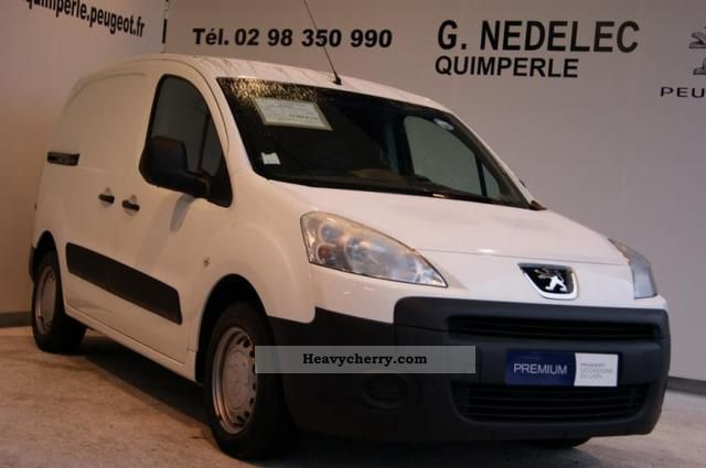 2010 Peugeot  Partners Fgtte 120 L1 HDi75 Pack CD Clim Van or truck up to 7.5t Box-type delivery van photo