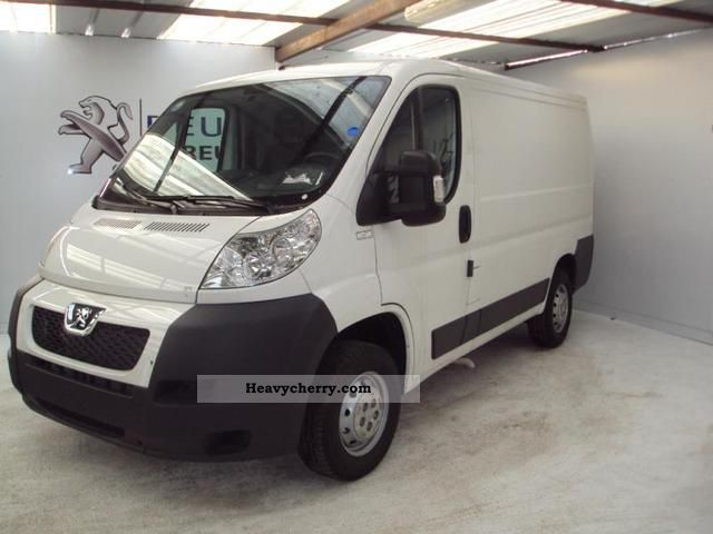 2011 Peugeot  Boxer 330 L1H1 Fg HDi100 Cft Van or truck up to 7.5t Box-type delivery van photo
