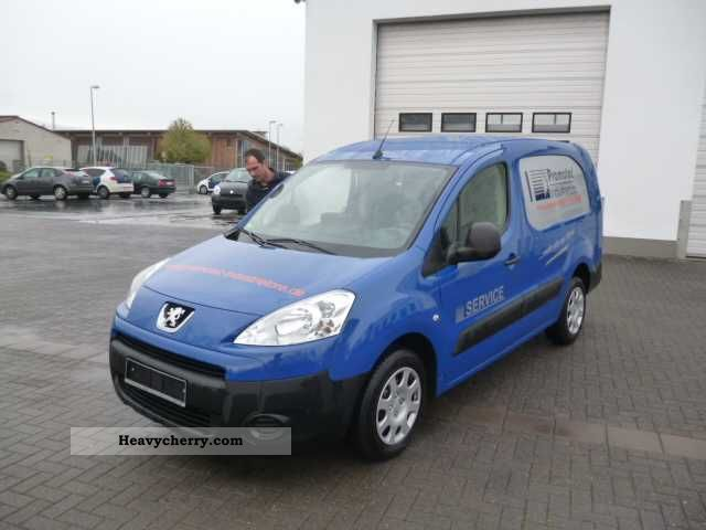 2011 Peugeot  Partner 1.6 HDI Air Navigation Van or truck up to 7.5t Box-type delivery van photo