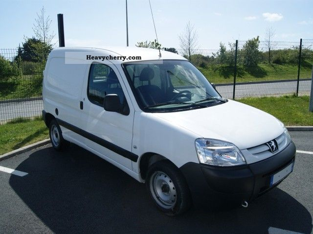 2009 Peugeot  Partners Fgtte 170C HDi75 hours ORIGIN Van or truck up to 7.5t Box-type delivery van photo
