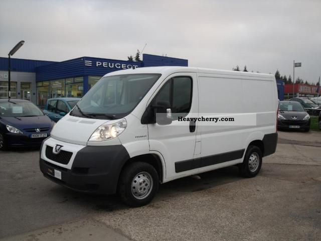 2008 Peugeot  Boxer 330 L1H1 Fg HDi100 CD Clim Van or truck up to 7.5t Box-type delivery van photo