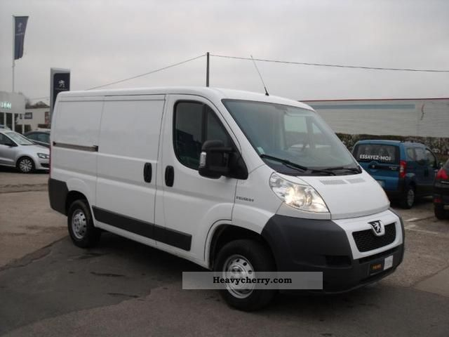 peugeot boxer 330 l1h1 fg hdi100 cd clim 2008 box type delivery van photo and specs. Black Bedroom Furniture Sets. Home Design Ideas