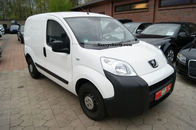 2009 Peugeot  Bipper 1.4 HDI base box 1.HAND Van or truck up to 7.5t Box-type delivery van photo