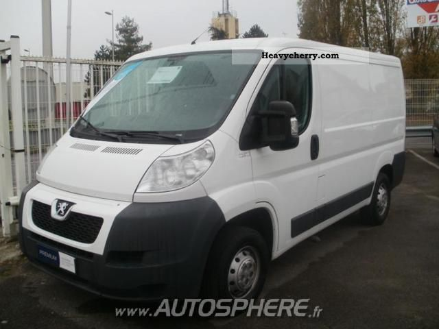 2010 Peugeot  Boxer 330 L1H1 Fg HDi120 CD Clim Van or truck up to 7.5t Box-type delivery van photo