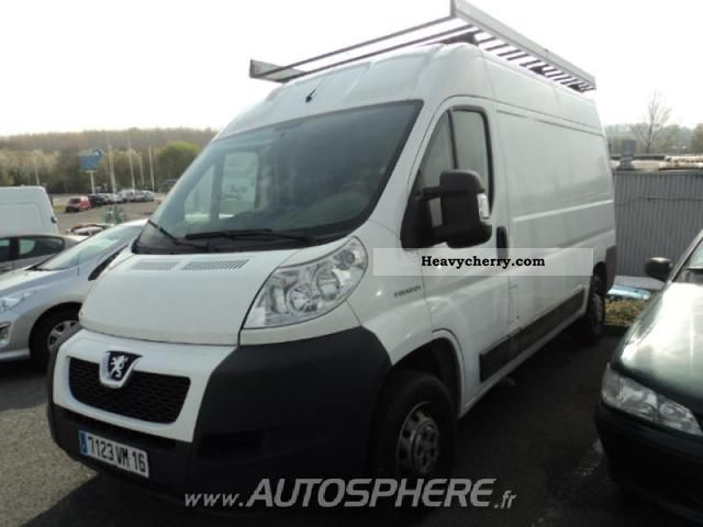 2010 Peugeot  Boxer 330 L2H2 Fg HDi120 CD Clim Van or truck up to 7.5t Box-type delivery van photo