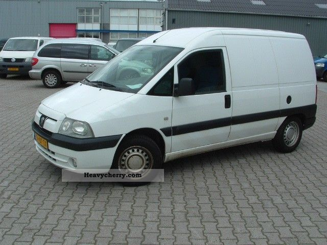 peugeot expert 2 0 hdi airco margin 2005 box type delivery van photo and specs. Black Bedroom Furniture Sets. Home Design Ideas