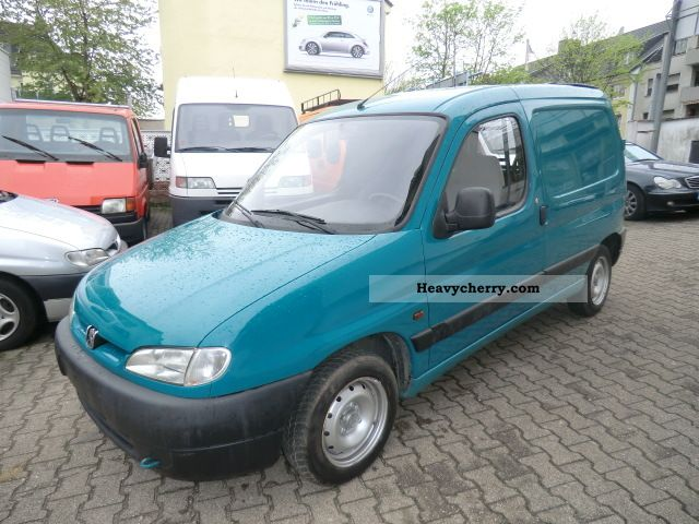 peugeot partner 1.9 diesel van 1998 box-type delivery van photo