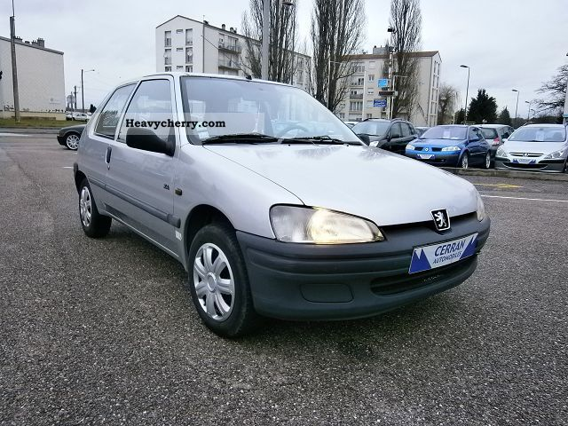 peugeot ste 106 1 5d 3p 1998 box type delivery van photo and specs. Black Bedroom Furniture Sets. Home Design Ideas