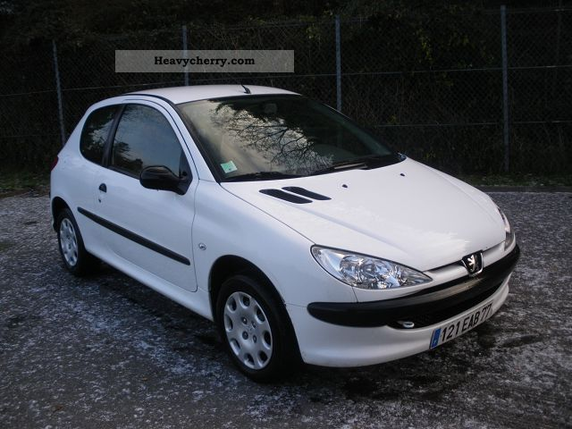 2006 Peugeot  AFFAIRES 206 1.4 HDI Pack CD CLIM Van or truck up to 7.5t Box-type delivery van photo