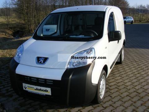 2010 Peugeot  Bipper 1.4 basis Van or truck up to 7.5t Box-type delivery van photo