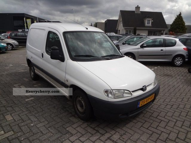 peugeot partner 170c verkregen wegens inruil 2000 box type delivery van photo and specs. Black Bedroom Furniture Sets. Home Design Ideas
